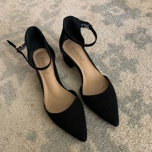 Shoe Dazzel Black Pointed Heeled Flats Size 7.5